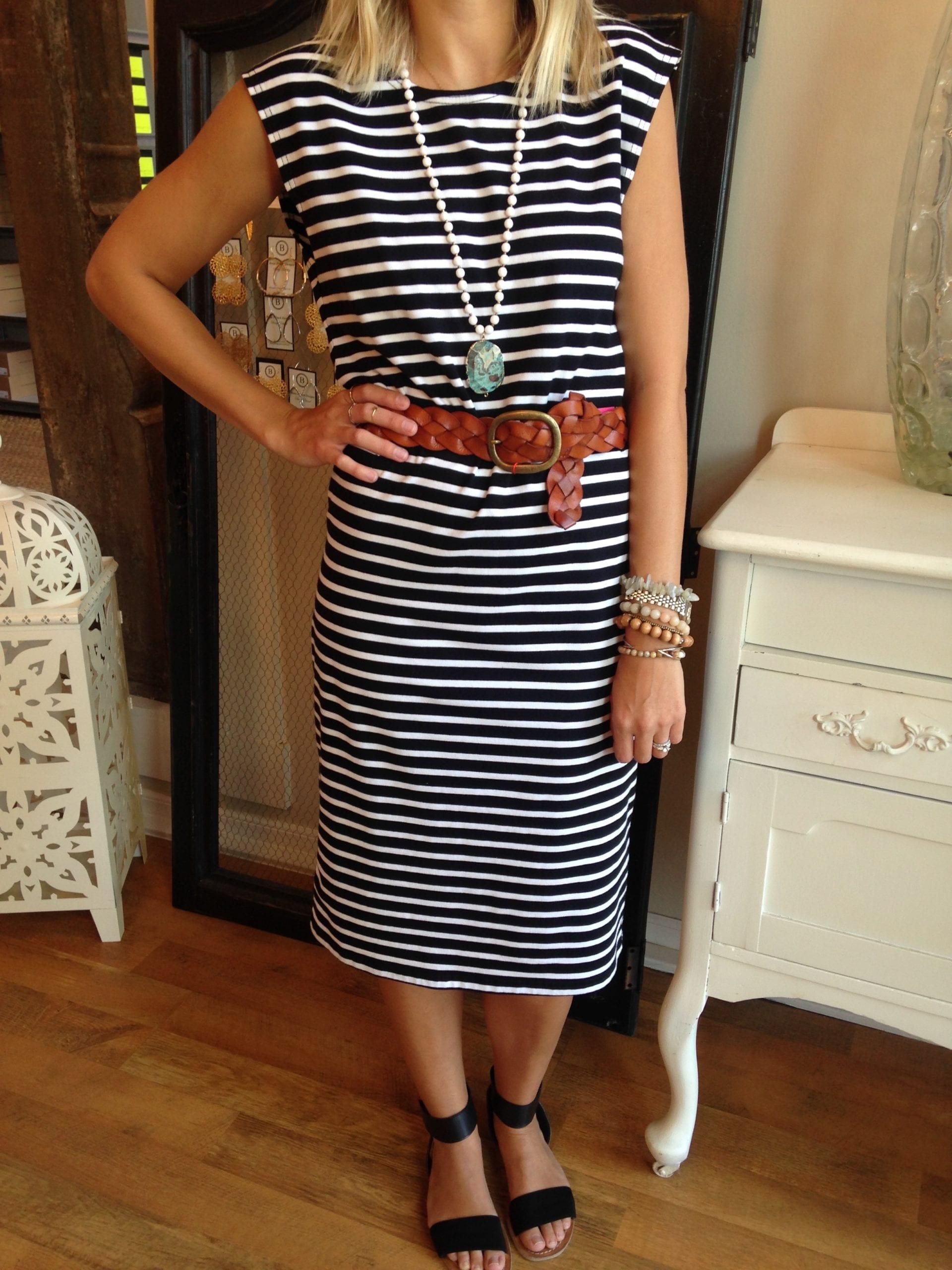 2 Ways To Style A Maternity Dress | Catenya.com